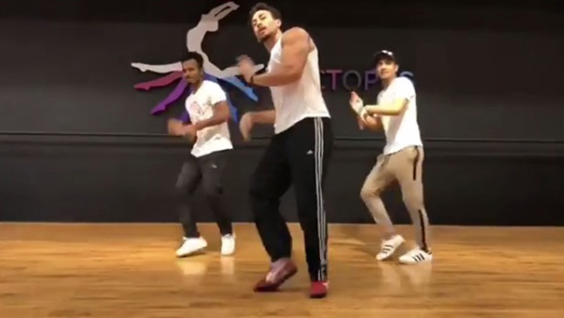 Amid Student Of The Year 2 dance rehearsals, Tiger Shroff busts out INSANE MOVES - Bollywood Hungama