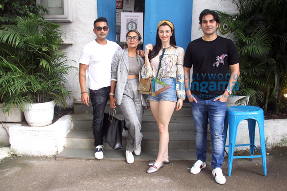 Arbaaz Khan and Amrita Arora snapped at Olive in Bandra (4)