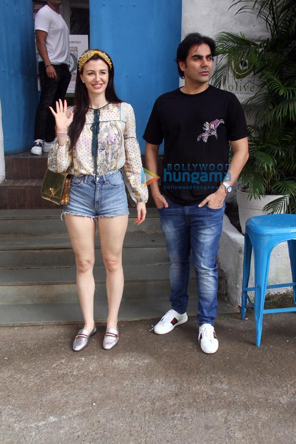Arbaaz Khan and Amrita Arora snapped at Olive in Bandra (5)