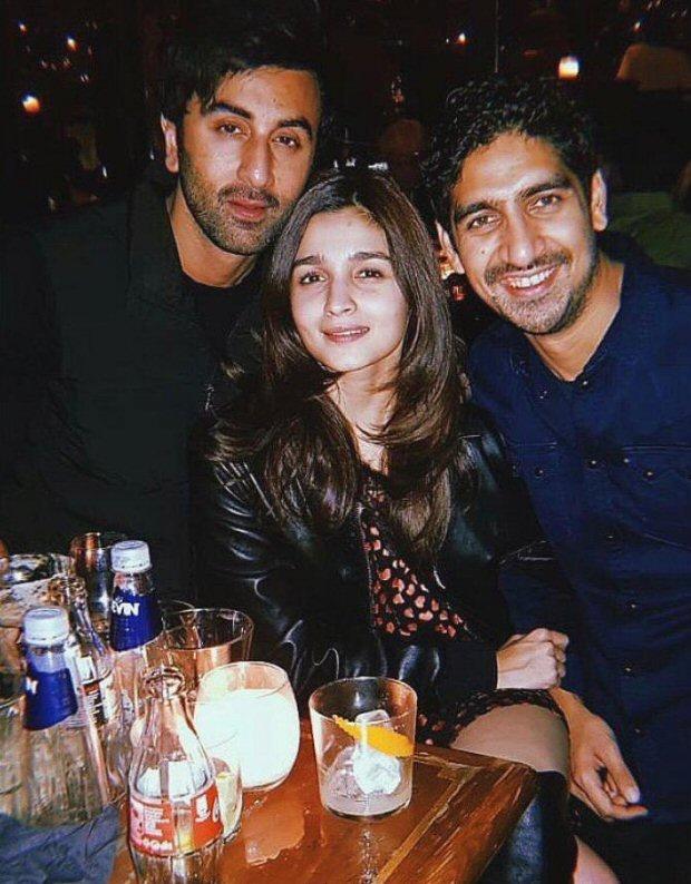 Brahmastra diaries: Alia Bhatt is all loved up with Ranbir Kapoor, Ayan Mukerji smiles on