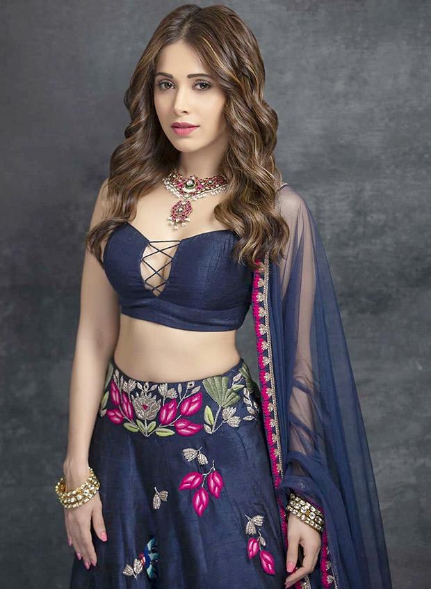 Nushrat Bharucha in Arpita Mehta for a friend's sangeet (7)