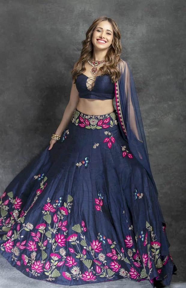 Nushrat Bharucha in Arpita Mehta for a friend's sangeet (8)