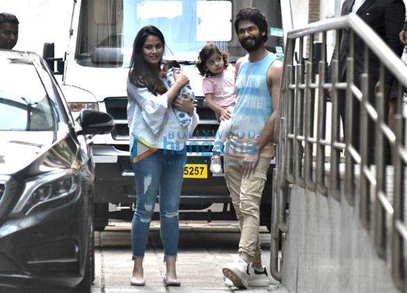 Shahid Kapoor, Mira Rajput and Misha snapped leaving the hospital