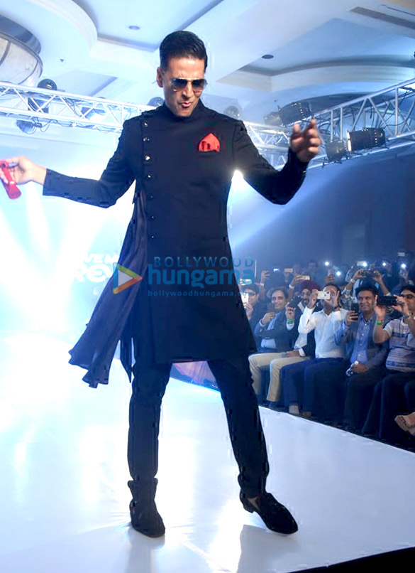 Akshay Kumar turns showstopper for Lalit Dalmia