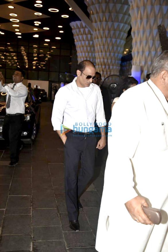 Celebs attend the prayer meet of late Krishna Raj Kapoor at Sahara Star hotel-01 (4)