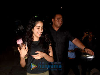 Janhvi Kapoor snapped in Juhu