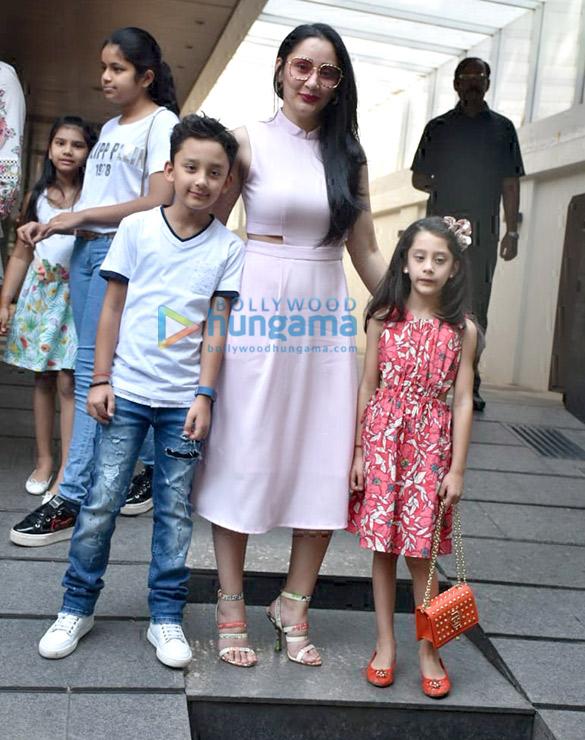Manyata Dutt spotted with her kids at Hakkasan in Bandra (2)