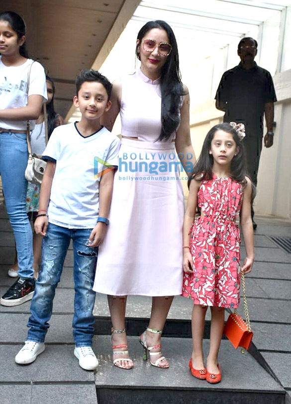 Manyata Dutt spotted with her kids at Hakkasan in Bandra (4)