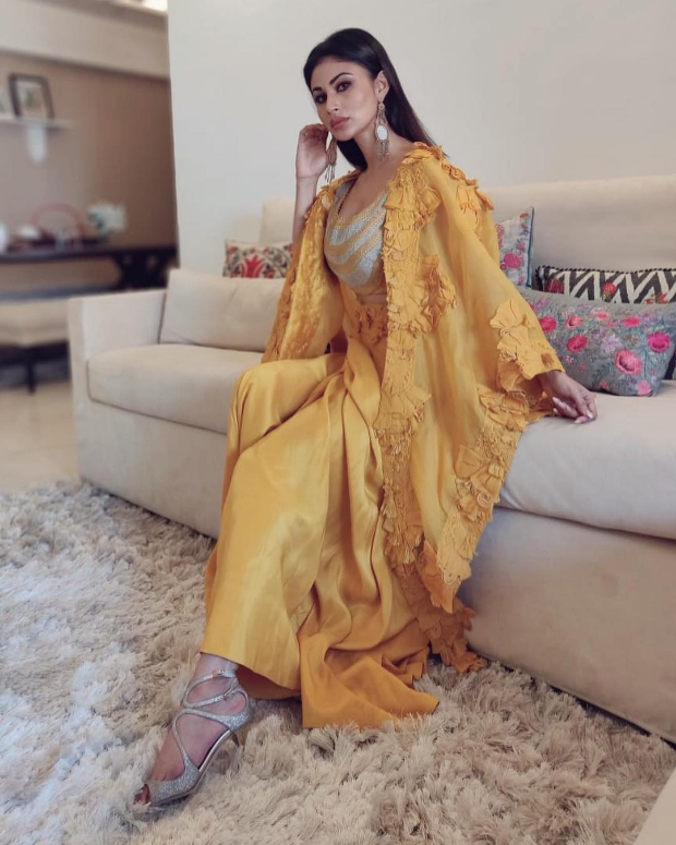 Mouni Roy in Anamika Khanna for MAMI 2018 Brunch (4)