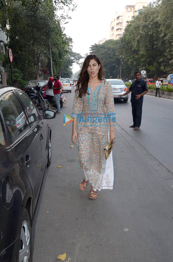 Rhea Chakraborty and Mahesh Bhatt snapped in Mumbai (2)