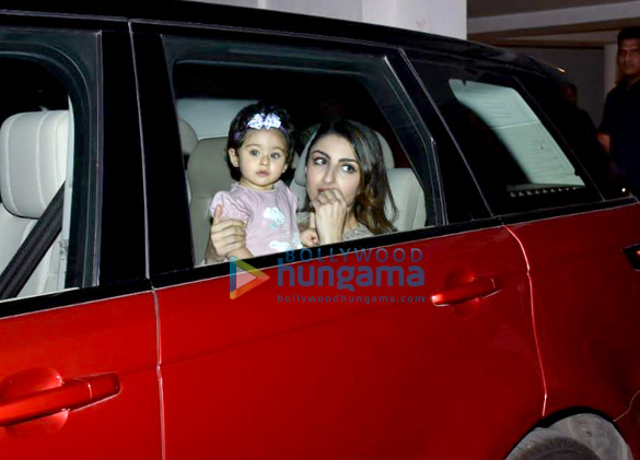 Soha Ali Khan and Inaaya Naumi Kemmu snapped Karan Johar's house (3)