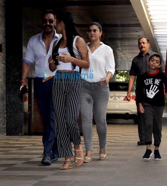 Ajay Devgn and family snapped at Hakkasan in Bandra (2)