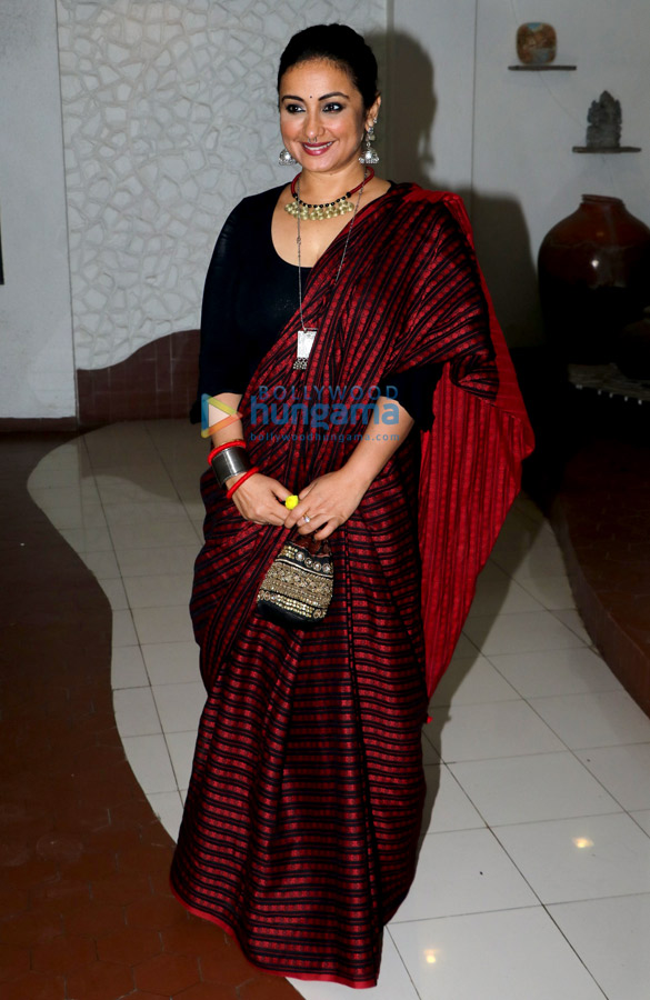 Celebs attend Shabana Azmi's Diwali bash (2)