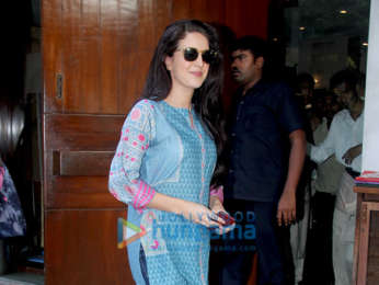 Isabelle Kaif spotted at Salt Water Cafe in Bandra