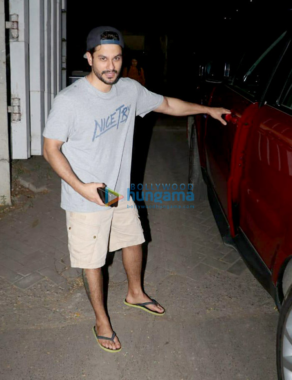 Kunal Khemu spotted at Sukho Thai Spa in Bandra (1)