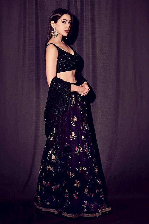 Sara Ali Khan in Sabyasachi promoting Kedarnath on Indian Idol 10 (5)