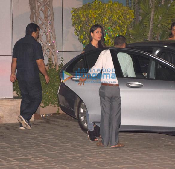 Shah Rukh Khan, Kareena Kapoor Khan, Amitabh Bachchan and others snapped at the airport (6)