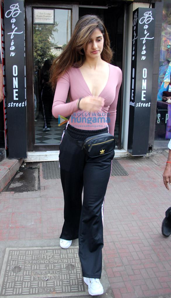 Tiger Shroff and Disha Patani spotted at Bastian in Bandra (6)