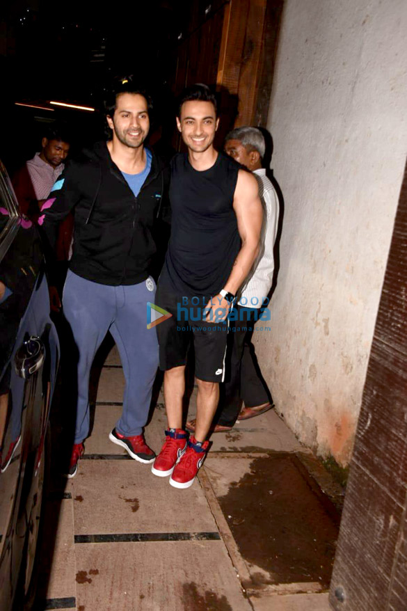 Varun Dhawan and Aayush Sharma snapped in Mumbai (5)