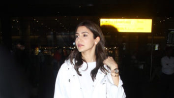 Bollywood-Actress-Anushka-Sharma-Spotted-at-Mumbai-Airport