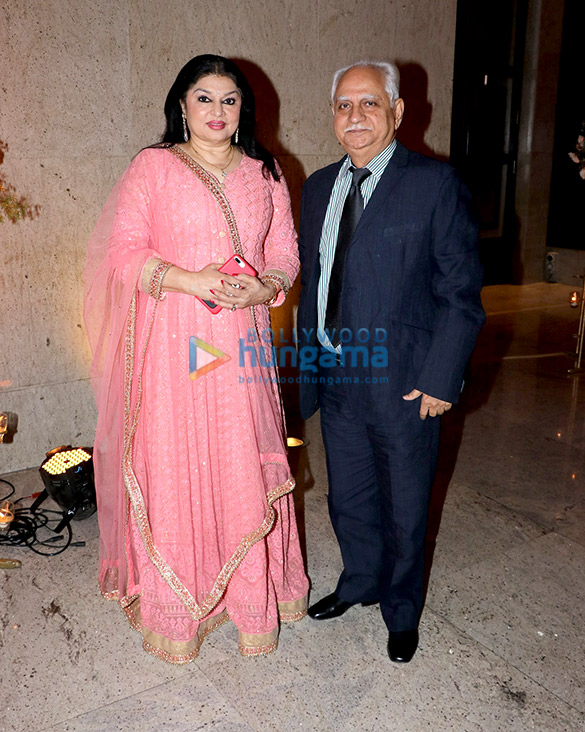 Celebs grace Alka Yagnik's daughter Syesha Kapoor's wedding reception (10)