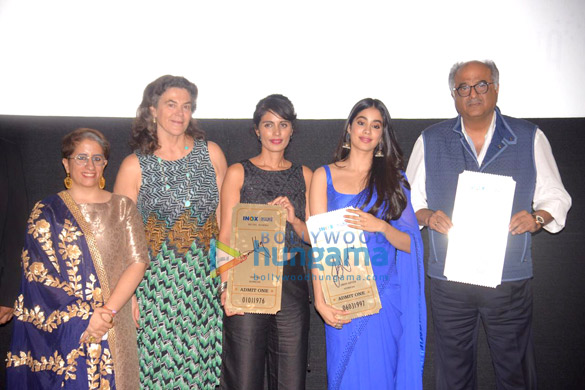 Janhvi Kapoor and Boney Kapoor snapped during felicitation at Royal Consulate of Norway (5)