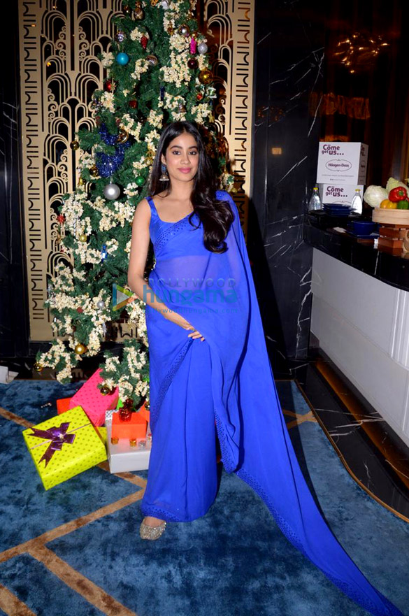 Janhvi Kapoor and Boney Kapoor snapped during felicitation at Royal Consulate of Norway (6)