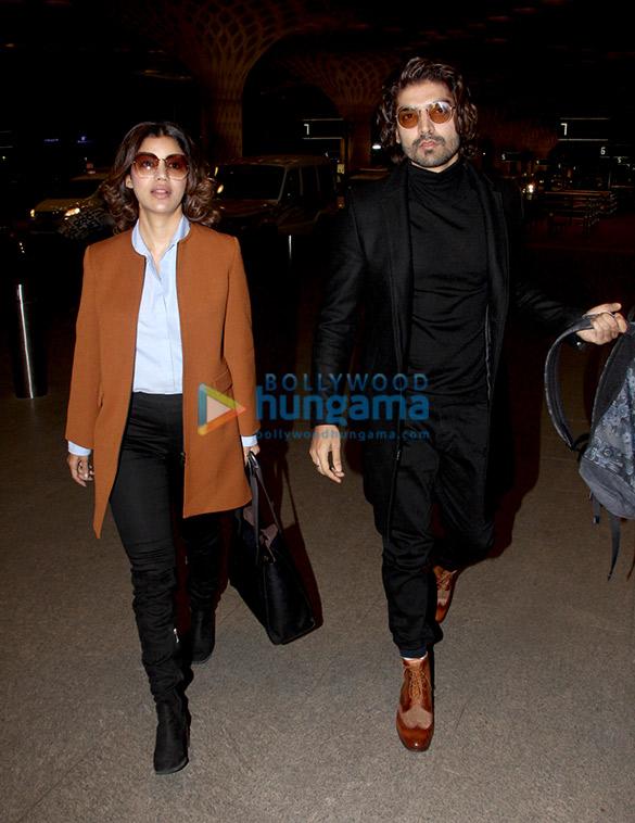 Kareena Kapoor Khan, Sonam Kapoor Ahuja, Alia Bhatt and others snapped at the airport67 (2)
