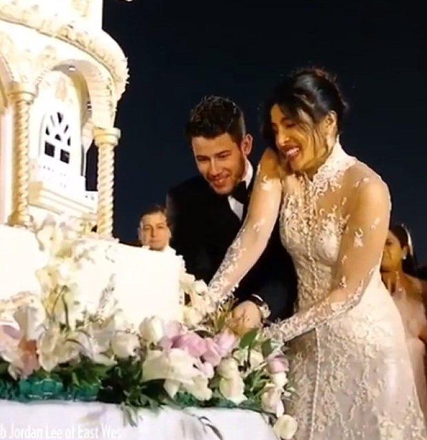 Priyanka Chopra Nick Jonas Wedding Inside Details Of The Gorgeous