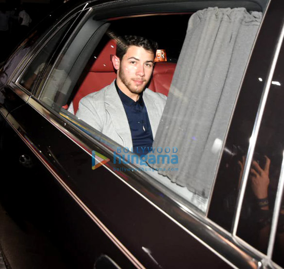 Priyanka Chopra and Nick Jonas snapped in Mumbai (2)