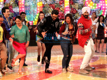 Ranveer Singh snapped on the sets of Tarak Mehta Ka Ooltaah