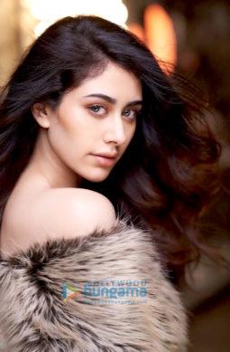 Celeb Photos Of Warina Hussain