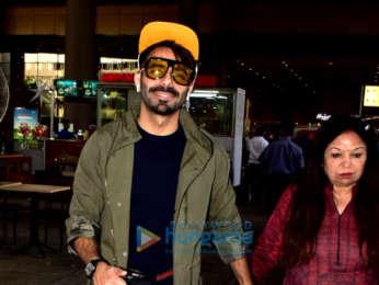 Anupam Kher, Aparikshit Khurana and family snapped at the airport