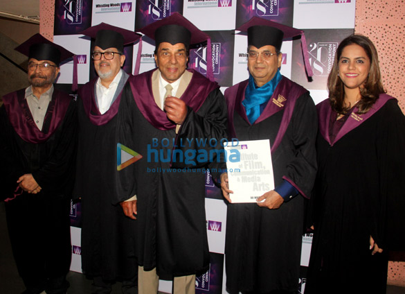 Dharmendra and Subhash Ghai grace the WWI convocation ceremony of the Class of 18 (2)