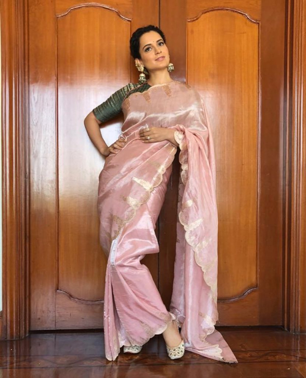 Kangana Ranaut in Ekaya Banaras for Manikarnika trailer launch in Hyderabad (1)