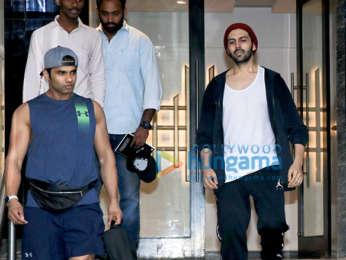 Kartik Aaryan snapped at the gym in Juhu