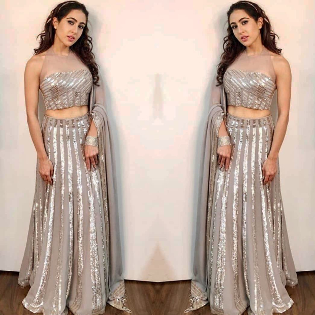 Sara Ali Khan in Manish Malhotra Couture for Umang 2019 Mumbai Police Show (1)