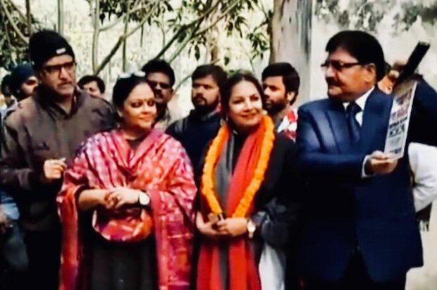 Shabana Azmi's brother Baba Azmi turns director