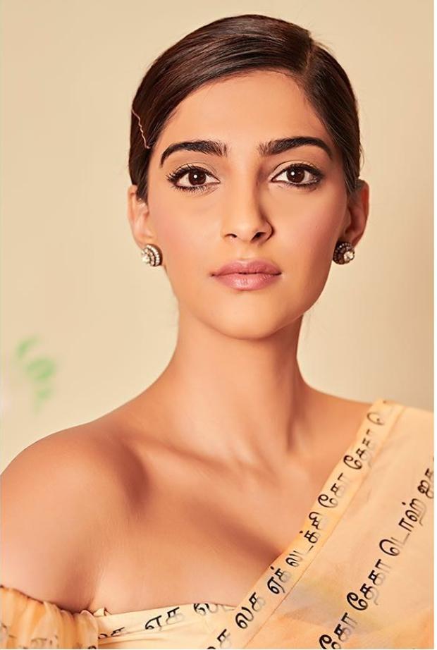Sonam Kapoor Ahuja in Masaba Gupta for Ek Ladki Ko Dekha To Aisa Laga promotions (2)