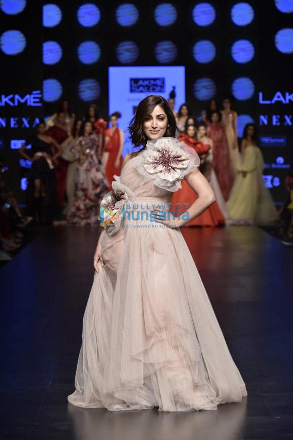 Yami Gautam walks the ramp for Gauri and Nainika at Lakme Fashion Week Summer Resort 2019 (2)