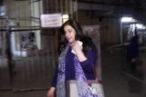 AMRITA SINGH SPOTTED AT KROMMKAY SALOON JUHU