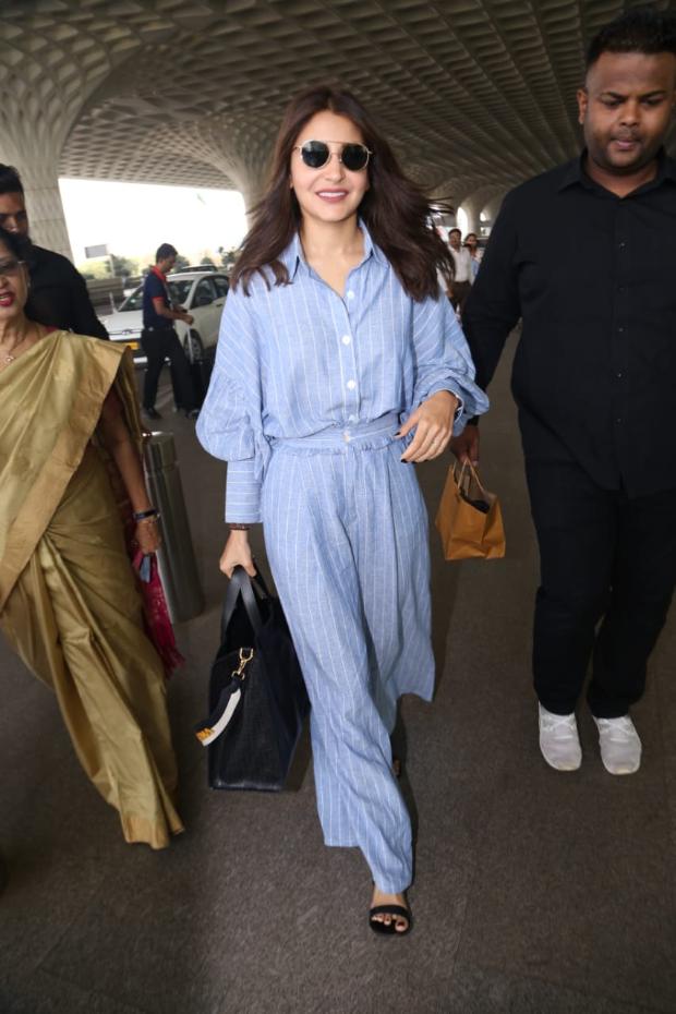 Anushka Sharma in Appapop coordinates airport style (2)