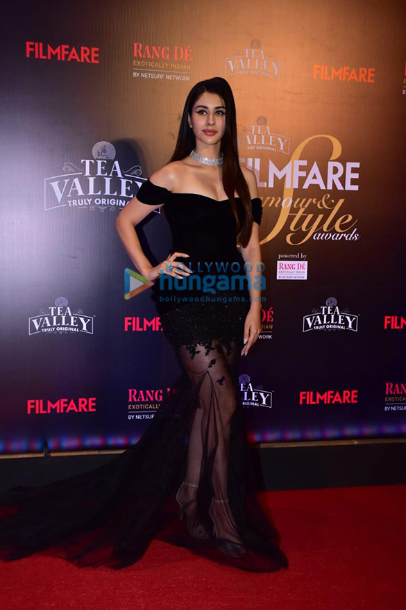 Celebs grace Filmfare Glamour and Style Awards 2019 at JW Marriott in Juhu-002 (16)