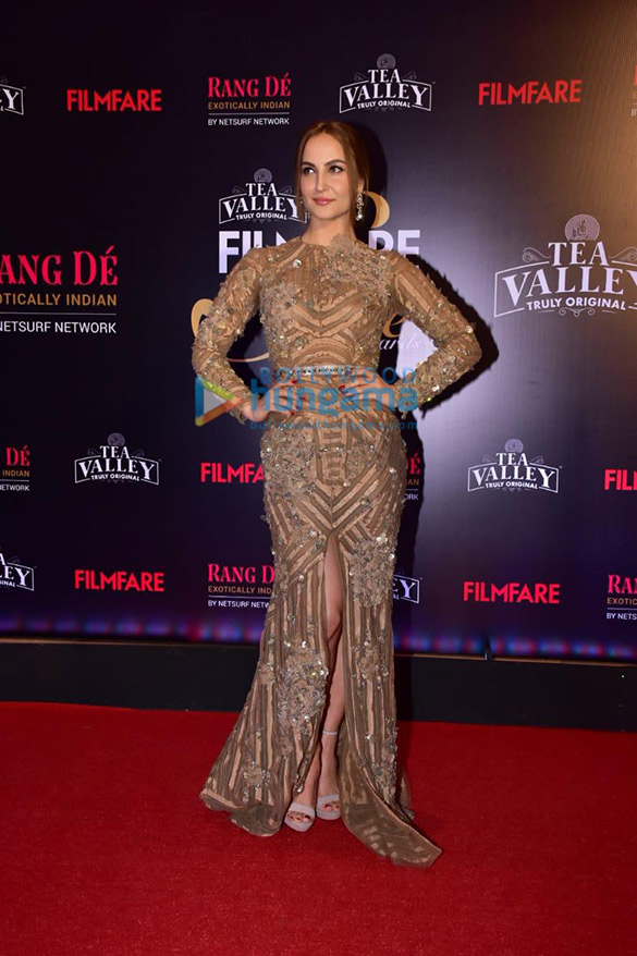 Celebs grace Filmfare Glamour and Style Awards 2019 at JW Marriott in Juhu-002 (24)
