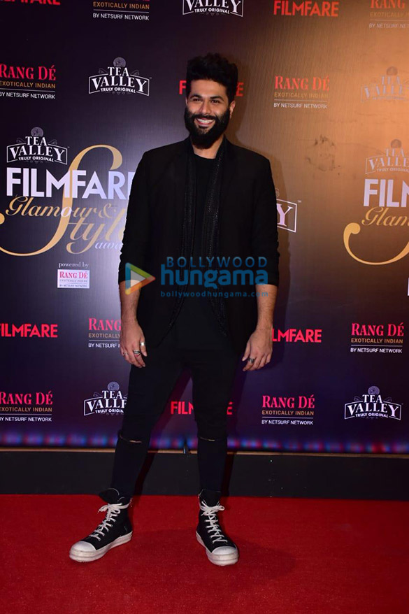 Celebs grace Filmfare Glamour and Style Awards 2019 at JW Marriott in Juhu-01 (3)