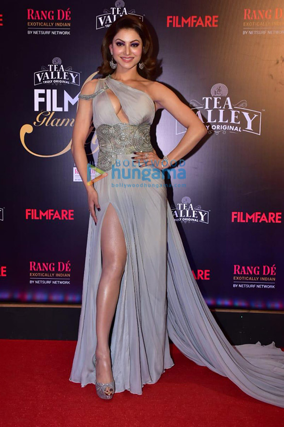 Celebs grace Filmfare Glamour and Style Awards 2019 at JW Marriott in Juhu-01 (4)