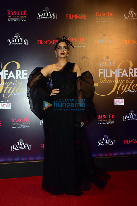 Celebs grace Filmfare Glamour and Style Awards 2019 at JW Marriott in Juhu45 (14)