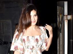 HOT Jacqueline Fernandez Spotted at Juhu