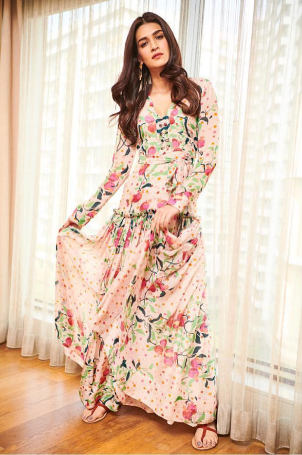 Kriti Sanon in Roopa for Luka Chuppi promotions (1)