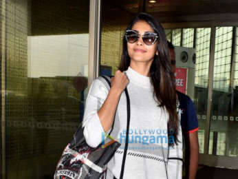 Pooja Hegde and Neha Kakkar snapped at the airport